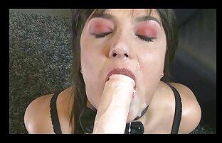 Seksi film koji gleda strapon spermu u usta
