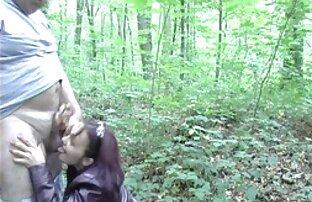Varanje žene s debelim mužem perverznjakom u šumi