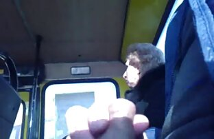 Dječak u javnom prijevozu