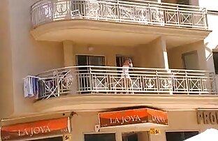 Skrivena kamera bez gaćica na balkonu