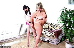 Tinejdžer sa starom debelom mamom i