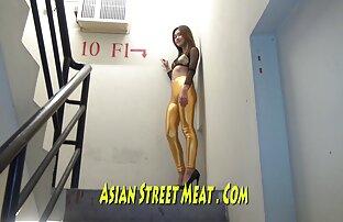 Super zlatna tajlandska filmska zvijezda u vatrogasnom bijegu