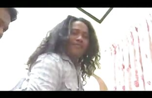 Seksi nepalsku manekenku žestoko su pojebala dva tipa.