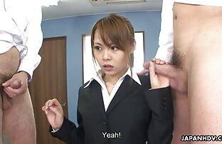 Azijski tinejdžer sranje i fucks dvije vruće kurac