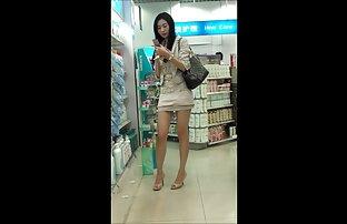 Lijepa kineska djevojka u javnosti
