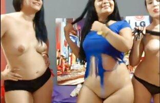 Pokazuju se seksi curvy djevojke