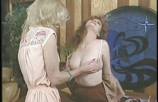 Jacqueline, a zatim vruća djevojka i njezin seksi lizanje djevojke i psa