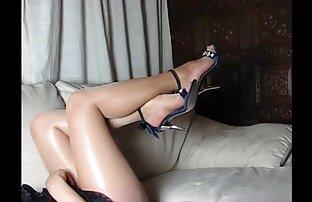 Savršene noge i visoke potpetice i čizme i tijelo žene