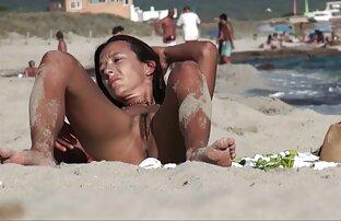 Zrelo lijepo tijelo na plaži