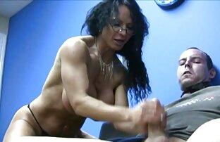 Velike sise milf masturbacija