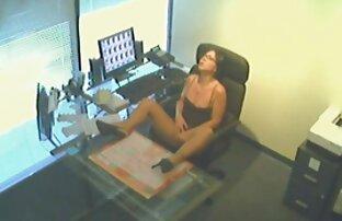 Seksi sekretarica silazi