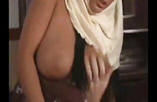 Arapska muslimanka sa velikim sisama -J. B.