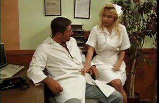 Plavokosa medicinska sestra s velikim titsima koju je udario napaljeni doktor