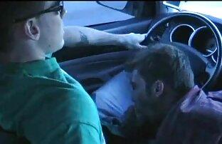 Scramble i vruće svršavanje u autu