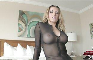 Randy Moore dominantna dama voajer gumeni ogrtači potpetice štikle joey seksi slika novi video