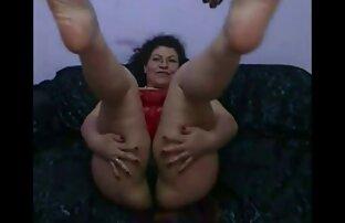 Zrela pakistanska supruga pokazuje svoje svete islamske noge