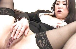 Japanska tajnica prstima joj maca