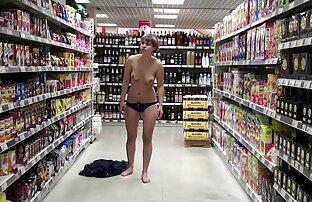 Vruće djevojke u prehrambenoj trgovini